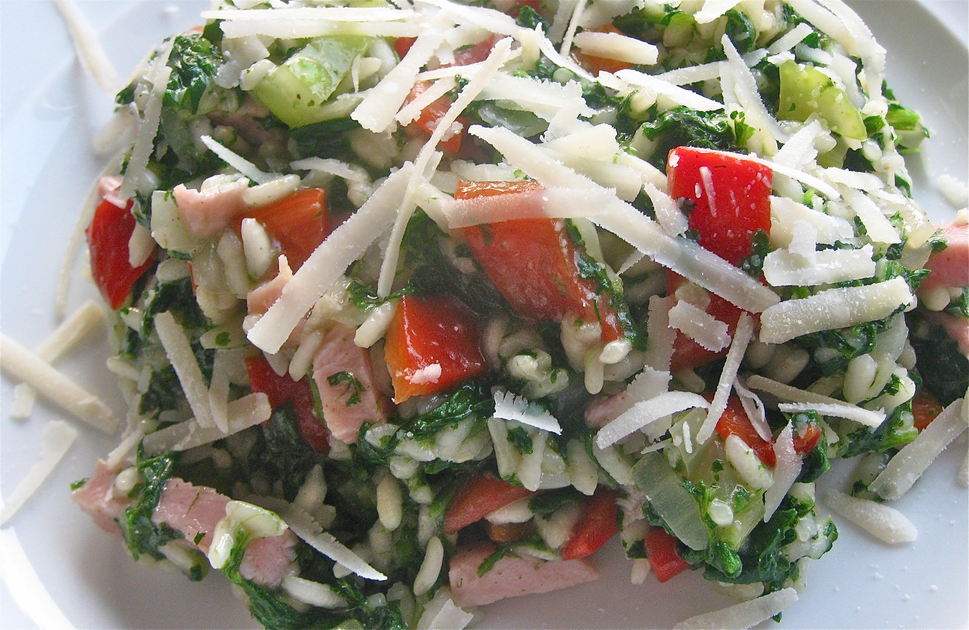 risotto met rood en groen: paprika en spinazie.