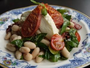 pasta salade met mozarella en tomaat